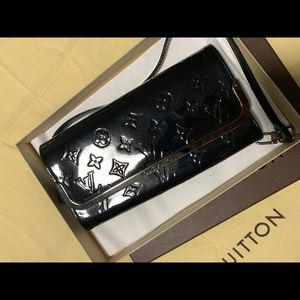 Louis Vuitton black leather gloss clutch